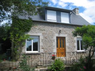 Lovely 3 bedroom Jugon-les-Lacs House with Washing Machine - Jugon-les-Lacs vacation rentals