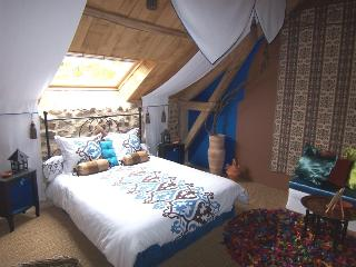 Arbre a Fruits : Chambre Aux chataignes - Chamboulive vacation rentals