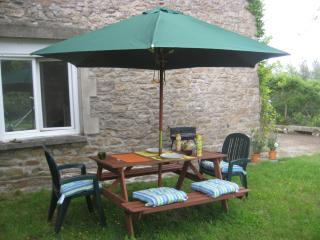 Lovely House with Dishwasher and Iron - Jugon-les-Lacs vacation rentals