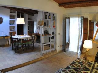 Casa Ninfee piscina e vista ma - Cinisi vacation rentals
