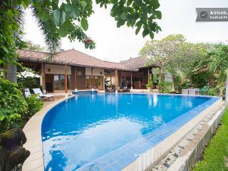 Araminth,Luxury 4/5bed Villa. - Lovina vacation rentals