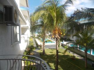 Cozy 2 bedroom Condo in Flic En Flac with Internet Access - Flic En Flac vacation rentals