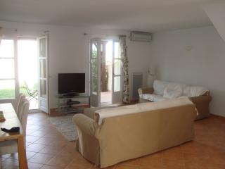 Nice House with A/C and Television - La Mole vacation rentals