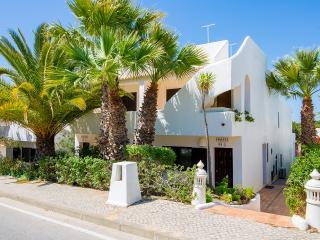 Tokeena - Vale do Garrao vacation rentals