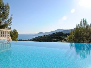 Villa Alta, infinity pool and spectacular views - Camporosso vacation rentals