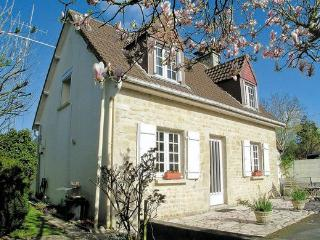 Charming Villa with Internet Access and DVD Player - Sainte-Mere-Eglise vacation rentals