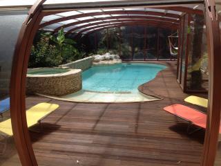 Centre Ville avec piscine chauffée, jacuzzi, - Aix-en-Provence vacation rentals