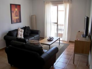 Cozy 3 bedroom Ayamonte Apartment with Internet Access - Ayamonte vacation rentals