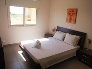 Lovely 3 bedroom Apartment in Mandria - Mandria vacation rentals