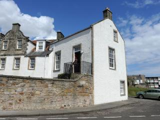 John McDouall Stuart View - Period Apartment on Fife Coast with Sea Views - Dysart vacation rentals