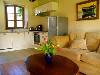 Still summer but no crowds, beautiful cottage - Pleudihen-sur-Rance vacation rentals