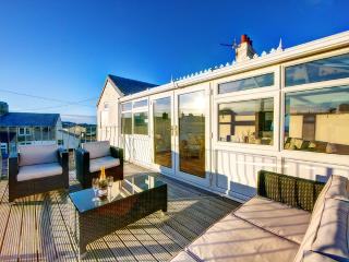 Comfortable 4 bedroom House in Beadnell with Deck - Beadnell vacation rentals