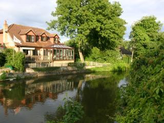 Wonderful 4 bedroom House in Windsor - Windsor vacation rentals