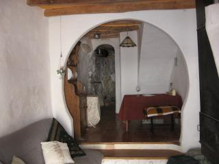 Beautiful 1 bedroom Townhouse in Algodonales with Internet Access - Algodonales vacation rentals