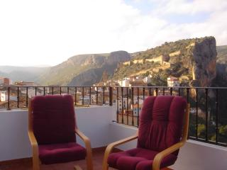Romantic 1 bedroom Chulilla Apartment with Internet Access - Chulilla vacation rentals