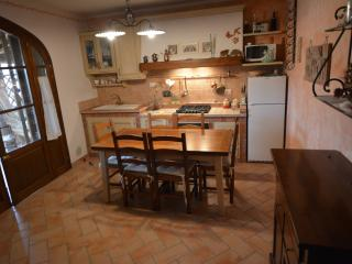 1 bedroom Condo with Housekeeping Included in Casale Marittimo - Casale Marittimo vacation rentals