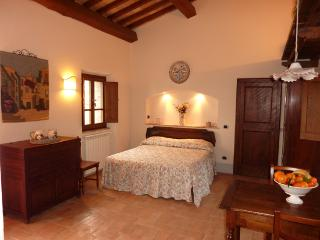 Independent very nice house Quercia House 4 people - Radicofani vacation rentals