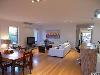 1 bedroom House with Deck in Brisbane - Brisbane vacation rentals