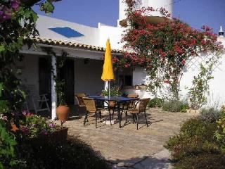Beautiful 2 bedroom Loule House with Internet Access - Loule vacation rentals