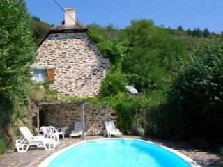 Sunny 3 bedroom Le Fel Cottage with Washing Machine - Le Fel vacation rentals
