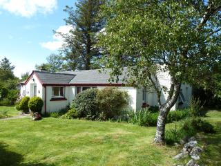 2 bedroom Cottage with Internet Access in Aultbea - Aultbea vacation rentals