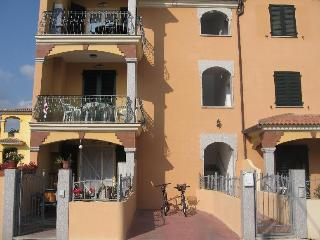 NUOVO APPARTAMENTO TRILOCALE CON VERANDA - Valledoria vacation rentals