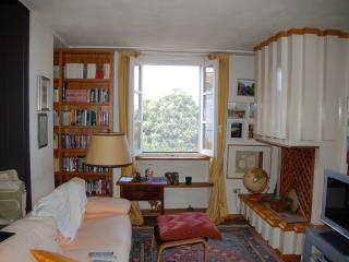 Nice House with Central Heating and Balcony - Arezzo vacation rentals