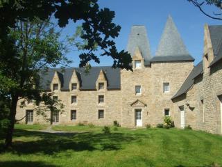 Manoir de Pléac Sud - Combourg vacation rentals