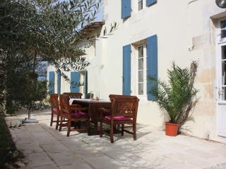 3 bedroom House with Internet Access in Mortagne-sur-Gironde - Mortagne-sur-Gironde vacation rentals