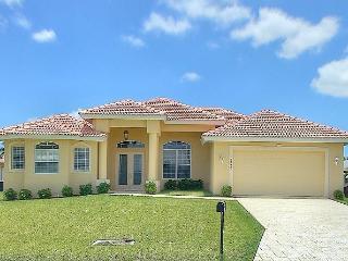 Stunning Villa INCL BOAT - Cape Coral vacation rentals