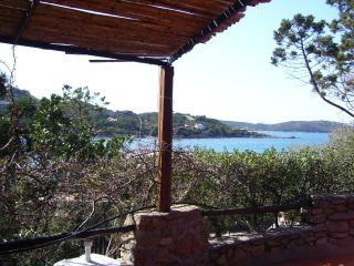 Villa Monica 50 mt spiaggia - San Teodoro vacation rentals