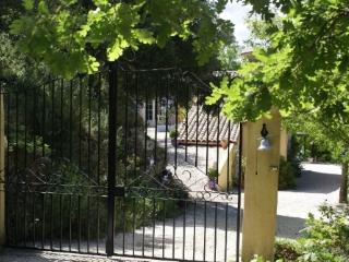 Gorgeous 1 bedroom Barjols Bed and Breakfast with A/C - Barjols vacation rentals