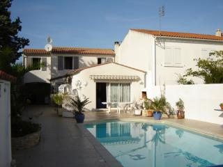 Ile de Re  beach Location-offers to  16th july - Rivedoux-Plage vacation rentals