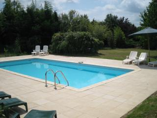 4 bedroom Villa with Internet Access in Sainte Foy-la-Grande - Sainte Foy-la-Grande vacation rentals
