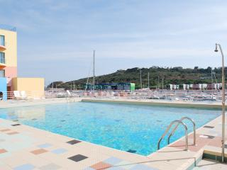 Beautiful Condo with Satellite Or Cable TV and Television - Albufeira vacation rentals