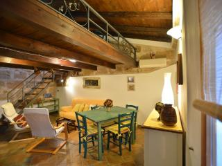 Great location in Old Town closewalk to sea, Alghero - Alghero vacation rentals