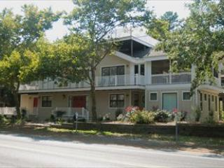 Beautiful 4 bedroom, 3.5 bath home with deck. - Image 1 - Bethany Beach - rentals