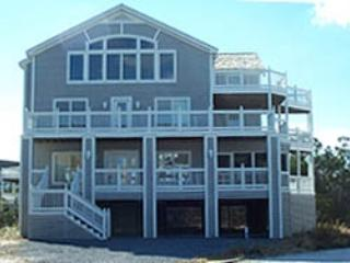Super 6-bedroom home with screened porch, pool and tennis - Image 1 - Cedar Neck - rentals