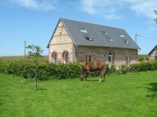 Adorable 4 bedroom Gite in Fecamp with Internet Access - Fecamp vacation rentals