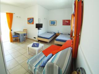 Atico1 Flat spanish atmosphere - Vecindario vacation rentals