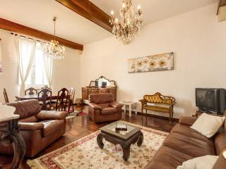 Elegant Apartment in Campo dei Fiori - Rome vacation rentals