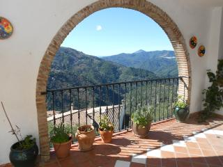 Nice House with Satellite Or Cable TV and Television - Jubrique vacation rentals
