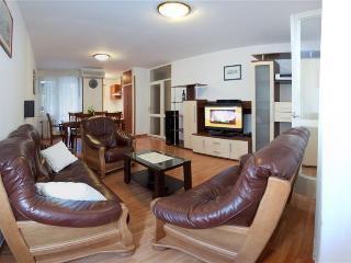 Alavia - Split vacation rentals