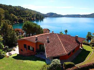 Bright 4 bedroom Villa in Orta San Giulio - Orta San Giulio vacation rentals