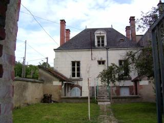 Beautiful 4 bedroom Valençay Gite with Television - Valençay vacation rentals