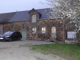 2 bedroom House with Central Heating in Mayenne - Mayenne vacation rentals