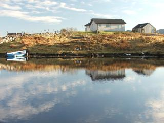 Comfortable 2 bedroom Cottage in Lochmaddy with Television - Lochmaddy vacation rentals