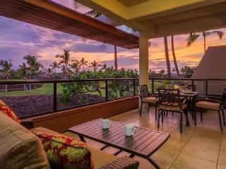 Spectacular penthouse condo Mauni Lani Point with stunning views & access to resort amenities - Mauna Lani vacation rentals
