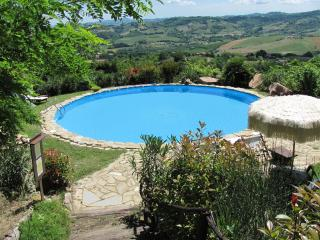 Charming 4 bedroom Penna San Giovanni Villa with Internet Access - Penna San Giovanni vacation rentals