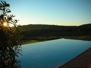 Comfortable Farmhouse Barn with Internet Access and Satellite Or Cable TV - Monteriggioni vacation rentals